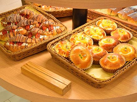 Boulangerie Ape フジ南久米店