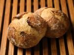 イチオシ_玉名産小麦と石臼びき全粒粉のパンY5D40517